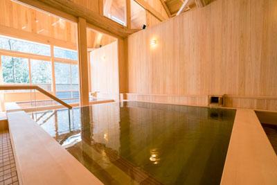 山の湯大浴槽1